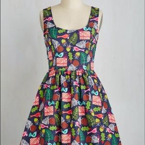 ModCloth Retrolicious Gee Jolly holiday dress